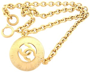Chanel Chanel very vintage CC logo pendant choker necklace