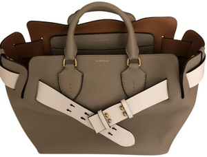 Burberry London Of The Moment Classic Well Designed Tote in Taupe/White