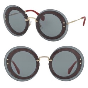 c3e4790353b9 Gold Miu Miu Sunglasses - Up to 70% off at Tradesy (Page 3)