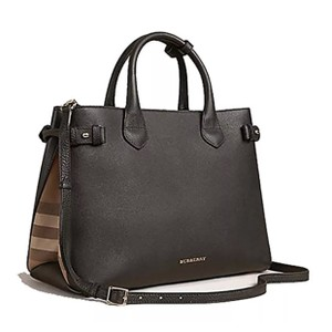19e675b3c42d Added to Shopping Bag. Burberry Tote in black. Burberry Medium Banner House Check  Black Leather Tote