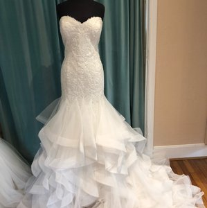 Justin Alexander Ivory Tulle 9833 Traditional Wedding Dress Size 16 (XL, Plus 0x)