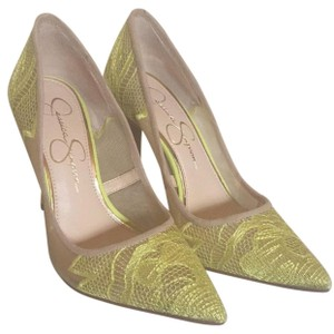 Jessica Simpson Yellow lace Pumps