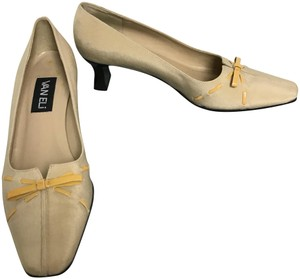Vaneli Latte Pumps