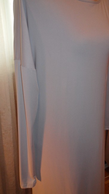 BCBGMAXAZRIA Gray Stretch Fabric Perfect For All Occas Long Night Out Dress Size 6 (S) BCBGMAXAZRIA Gray Stretch Fabric Perfect For All Occas Long Night Out Dress Size 6 (S) Image 2