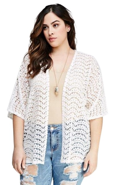 Preload https://img-static.tradesy.com/item/23679256/forever-21-scalloped-lace-cardigan-size-16-xl-plus-0x-0-1-650-650.jpg