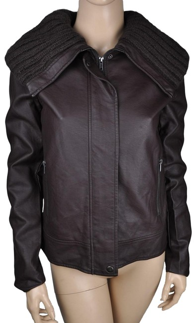 Preload https://img-static.tradesy.com/item/23679304/bb-dakota-brown-faux-fur-bomber-small-leather-jacket-size-6-s-0-1-650-650.jpg