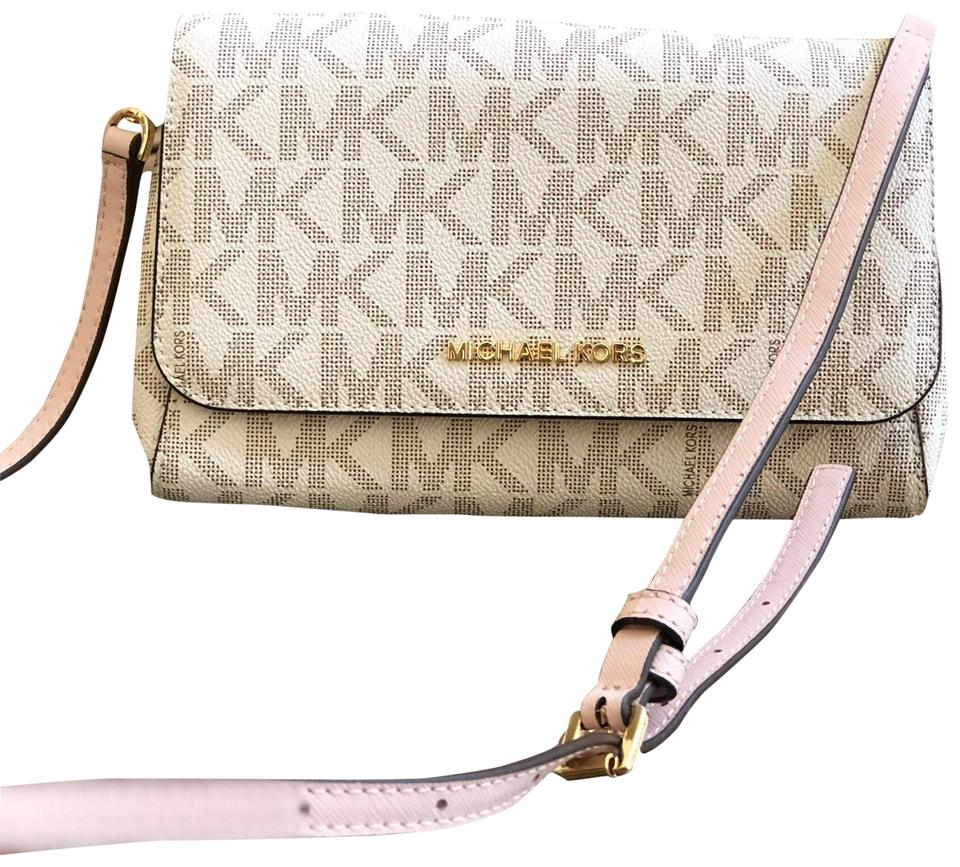 e74e60bf02a7 Michael Kors Jet Set Medium Conv Pouchette Handbag Vanilla/Ballet Saffiano  Leather/Pvc Cross Body Bag