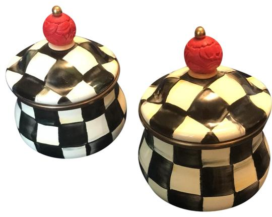 Preload https://img-static.tradesy.com/item/23679496/black-and-white-courtly-check-enamel-lidded-sugar-bowls-0-1-540-540.jpg