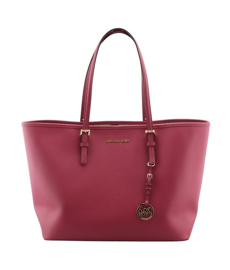 Preload https://img-static.tradesy.com/item/23679540/michael-kors-141470-red-leather-tote-0-0-540-540.jpg