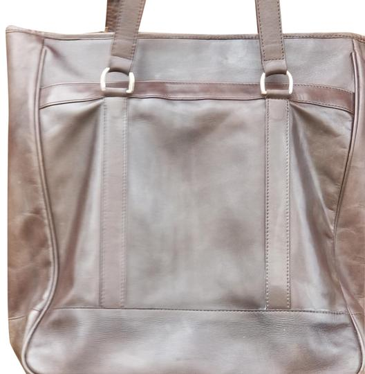 Preload https://img-static.tradesy.com/item/23679614/cole-haan-leather-tote-0-3-540-540.jpg