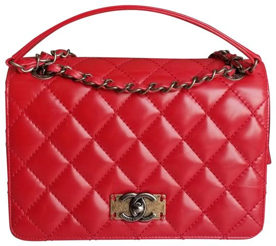 Preload https://img-static.tradesy.com/item/23679850/chanel-classic-flap-limited-edition-red-calfskin-leather-shoulder-bag-0-4-540-540.jpg