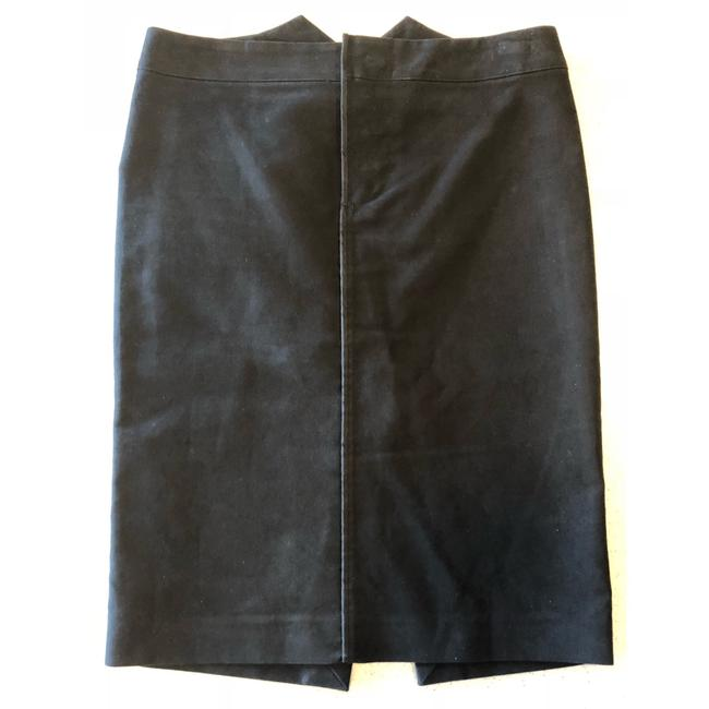 Preload https://img-static.tradesy.com/item/23679856/gucci-black-cotton-button-front-pencil-straight-40-knee-length-skirt-size-4-s-27-0-1-650-650.jpg