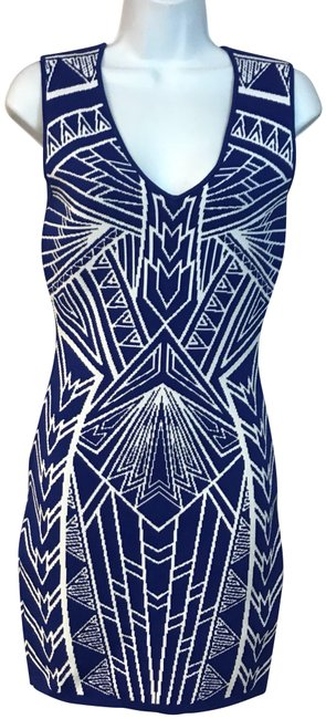 Preload https://img-static.tradesy.com/item/23679941/bluewhite-and-knit-bodycon-short-casual-dress-size-8-m-0-1-650-650.jpg