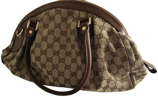 Preload https://img-static.tradesy.com/item/23679959/gucci-canvas-monogram-brown-laptop-bag-0-1-540-540.jpg