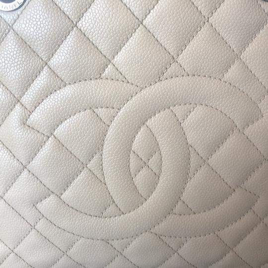 Chanel Tote in Beige/Nude/Clair