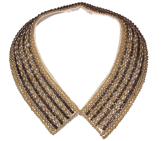 Preload https://img-static.tradesy.com/item/23680211/seed-pearl-collar-necklace-0-1-540-540.jpg
