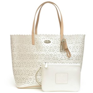 Coach Tote in ivory, tan