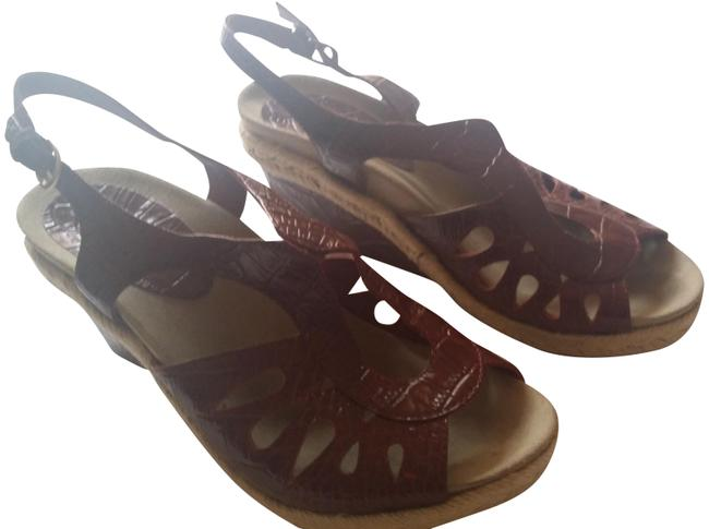 Earthies Red Bali Sandals Size US 9 Regular (M, B) Earthies Red Bali Sandals Size US 9 Regular (M, B) Image 1