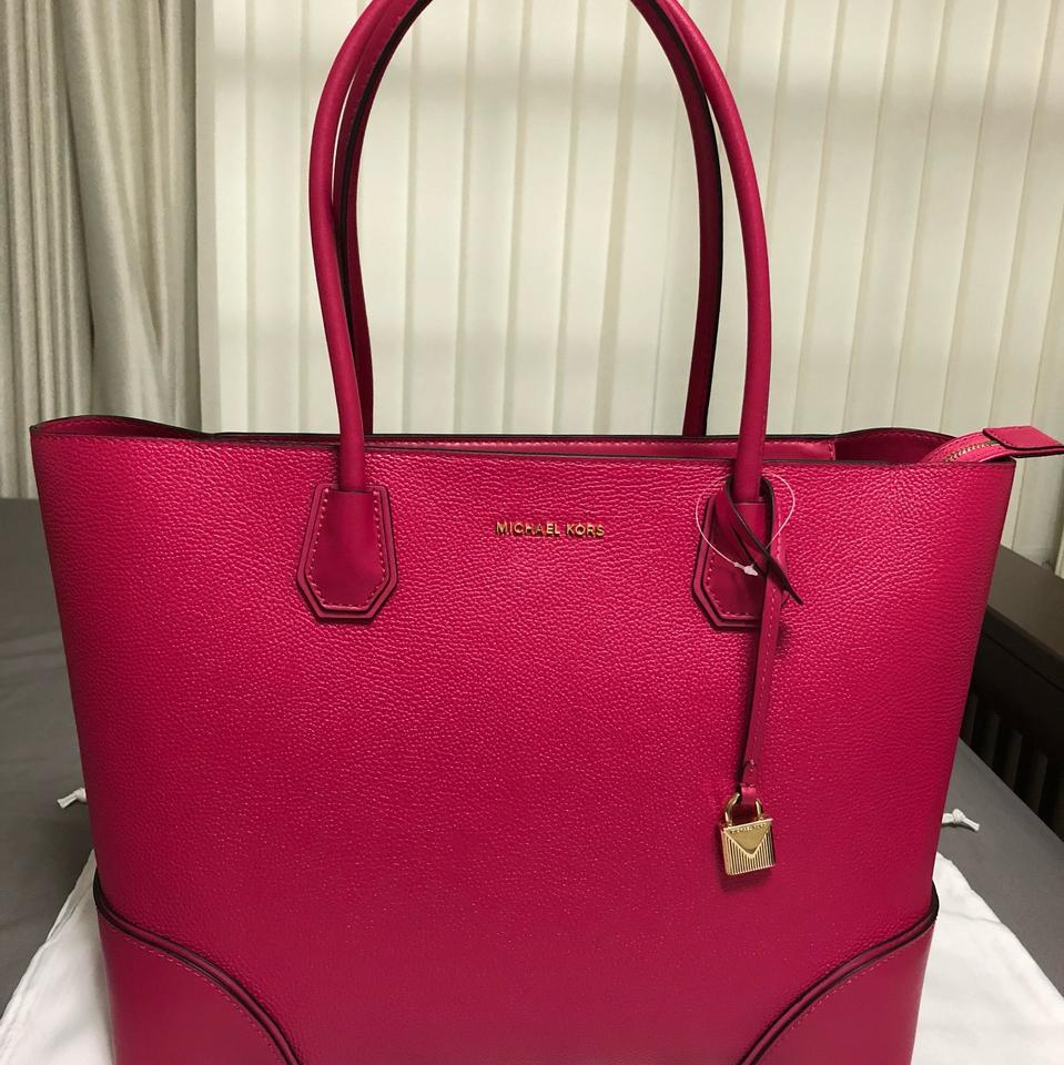 3086cd1caa MICHAEL Michael Kors Mercer Gallery Ew Large Ultra Pink Leather Tote ...