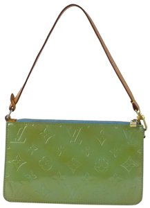 Louis Vuitton Poche Pouch Cosmetic Make Up Accessories Wristlet in Green