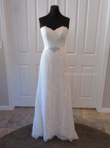 Essense of Australia Ivory Praline Lace D1809 Feminine Wedding Dress Size 8 (M)