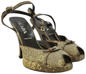 Prada Vintage Bought In Italy Eu 39 1/2 Gold and Black Snakeskin Pumps