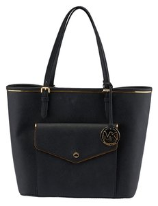 Michael Kors Jet Set Leather Tote in Black