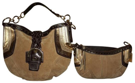 Preload https://item4.tradesy.com/images/coach-camel-purse-f10683-studded-brown-gold-mettalic-suede-leather-hobo-bag-2368918-0-0.jpg?width=440&height=440