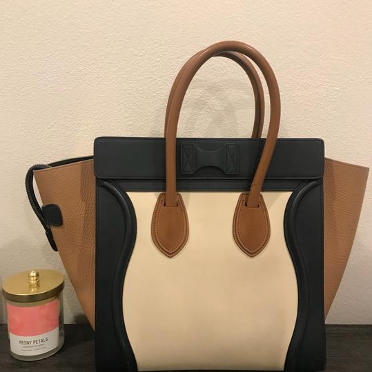 Céline Tote in caramel, navy blue, white Image 1