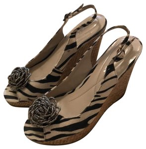 Andrew Geller black and bone with natural straw wedge Wedges