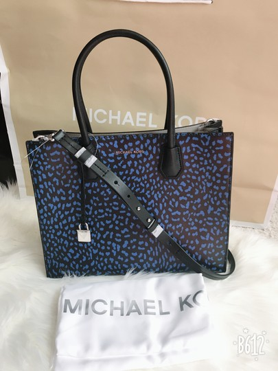 Michael Kors Tote in Multi Image 11