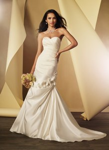 Alfred Angelo Ivory 2444 Modern Wedding Dress Size 14 (L)