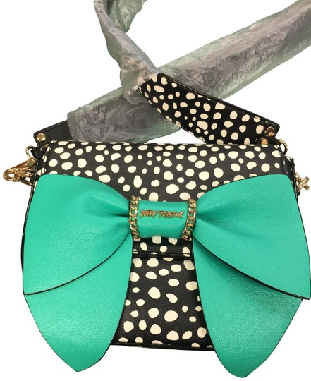 Preload https://img-static.tradesy.com/item/23690803/betsey-johnson-oh-you-didn-t-black-w-white-spot-w-large-green-bow-faux-leather-cross-body-bag-0-1-540-540.jpg