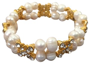 Other stretch Freshwater pearls bracelet with gold rhinestones connections