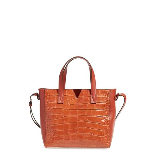 Preload https://img-static.tradesy.com/item/23691792/vince-signature-baby-v-croc-embossed-tote-whiskey-brown-leather-cross-body-bag-0-0-540-540.jpg