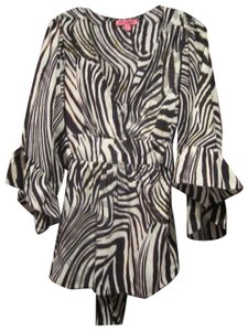 Betsey Johnson Collarless V-neck Babydoll Style 3/4 Sleeve Empire Waist Zebra Print Top Multi-Color Brown