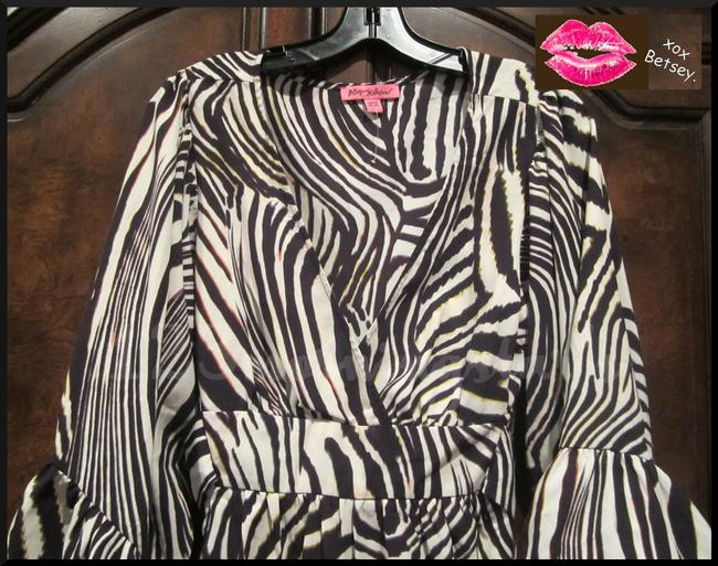 Betsey Johnson Collarless V-neck Babydoll Style 3/4 Sleeve Empire Waist Zebra Print Top Multi-Color Brown Image 1
