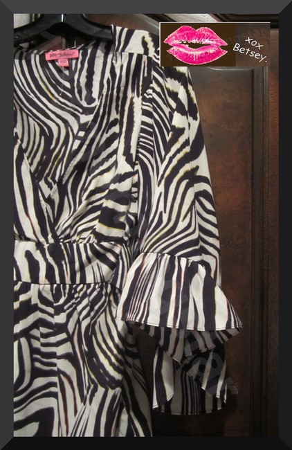 Betsey Johnson Collarless V-neck Babydoll Style 3/4 Sleeve Empire Waist Zebra Print Top Multi-Color Brown Image 2
