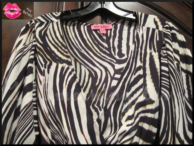 Betsey Johnson Collarless V-neck Babydoll Style 3/4 Sleeve Empire Waist Zebra Print Top Multi-Color Brown Image 3