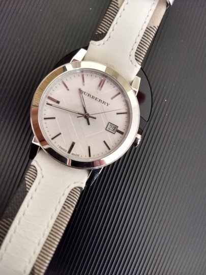 Burberry Bu9019 men's large check leather strip white dial Image 2