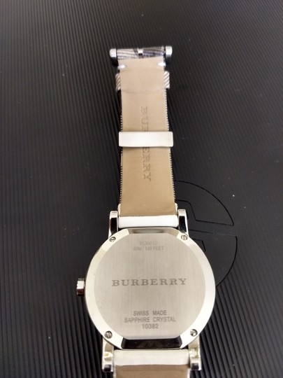 Burberry Bu9019 men's large check leather strip white dial Image 6
