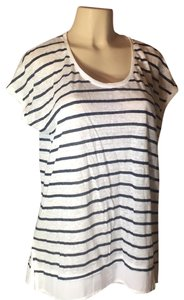Grace Elements Top black and white