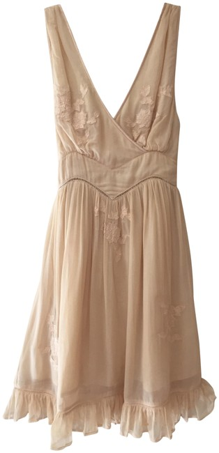 Preload https://img-static.tradesy.com/item/23692352/kate-moss-for-topshop-cream-floaty-short-night-out-dress-size-2-xs-0-1-650-650.jpg