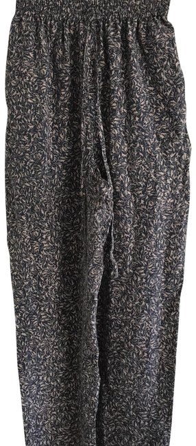 Preload https://img-static.tradesy.com/item/23693391/relaxed-fit-pants-size-6-s-28-0-1-650-650.jpg