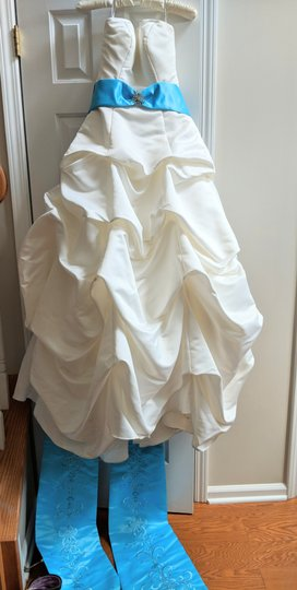 DaVinci Bridal Off White Satin Gown Traditional Wedding Dress Size 4 (S)