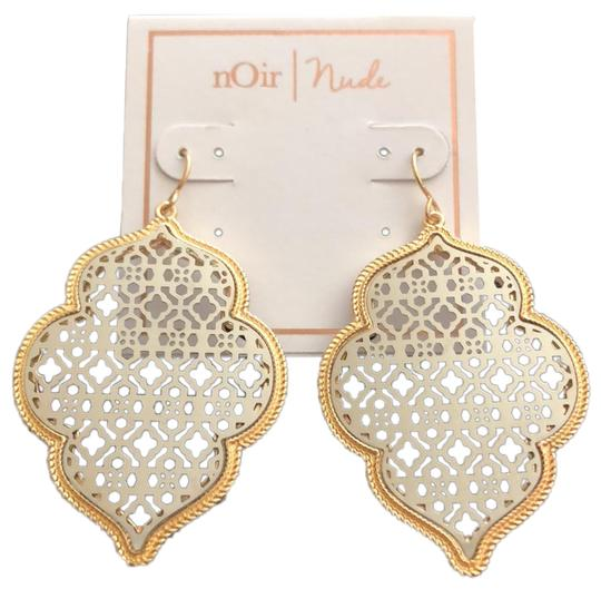 Preload https://img-static.tradesy.com/item/23693521/noir-filigree-laced-shaped-drops-earrings-0-1-540-540.jpg