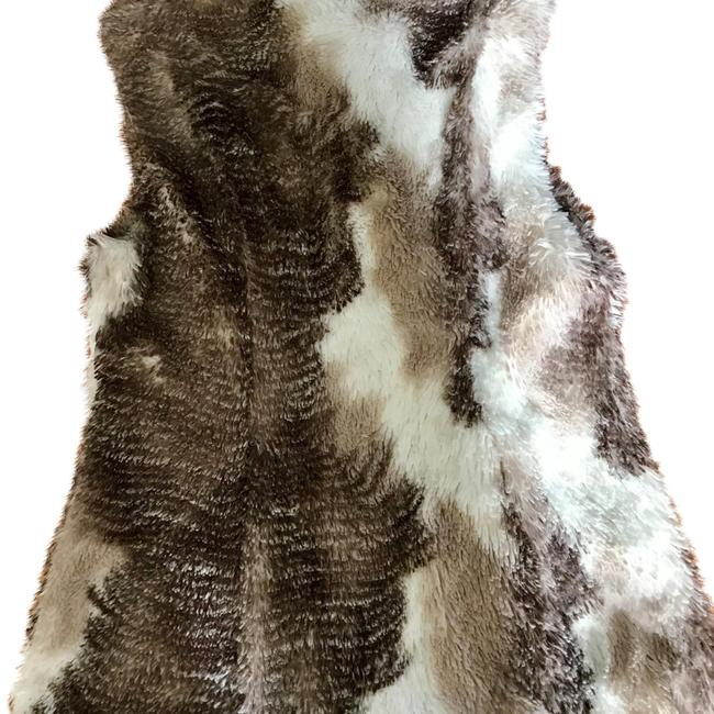 Item - Gray and White Style 3179 Faux Fur Vest Size 8 (M)