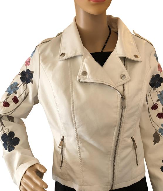 Preload https://img-static.tradesy.com/item/23693645/macy-s-new-new-white-with-stiched-flowers-louis-paris-motor-jacket-size-10-m-0-1-650-650.jpg