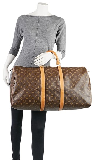 Preload https://img-static.tradesy.com/item/23693706/louis-vuitton-keepall-with-handle-holder-and-id-tag-brown-monogram-leather-weekendtravel-bag-0-1-540-540.jpg