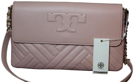 Preload https://img-static.tradesy.com/item/23693942/tory-burch-alexa-quilted-logo-shoulder-purse-pink-leather-clutch-0-5-540-540.jpg